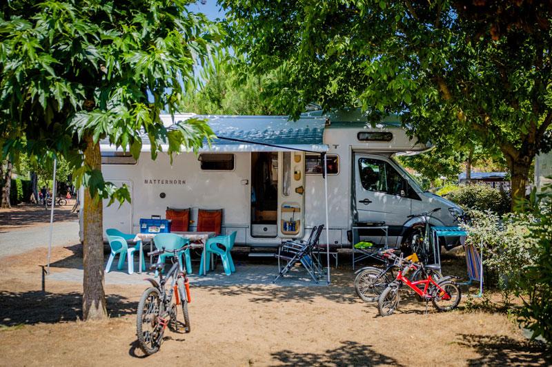 camping les varennes le bois plage en r destination ile de r. Black Bedroom Furniture Sets. Home Design Ideas