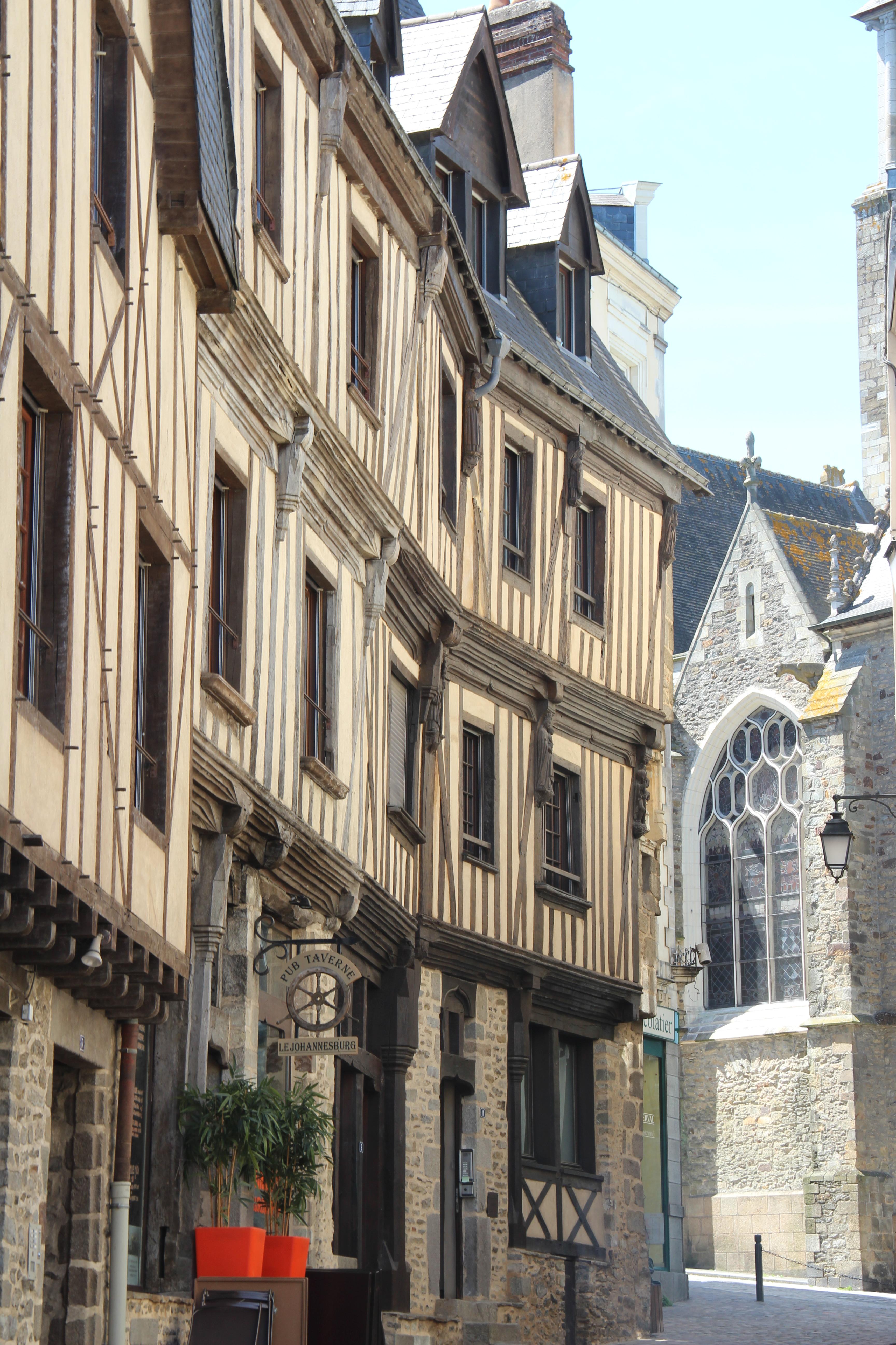 Laval, villé médiévale