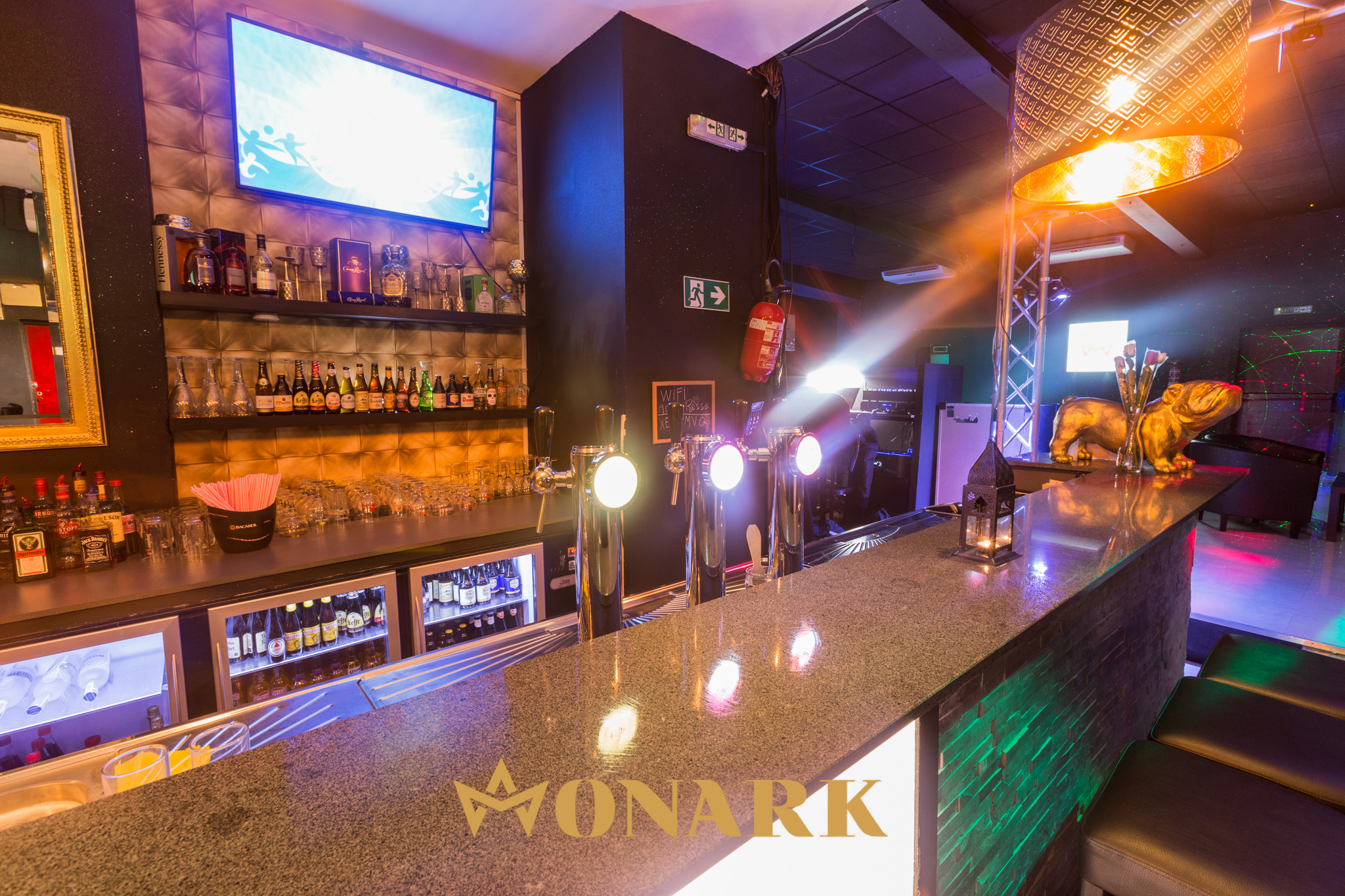 Monark Bar Lounge