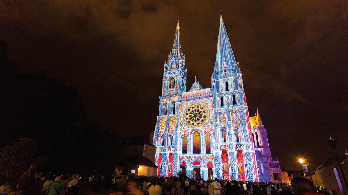 1 - Nouvelle scénographie : Cathédrale de Chartres – Portail Royal