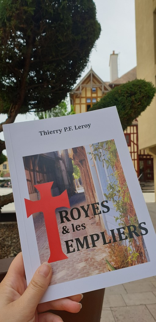 Troyes : Conférence en duo
