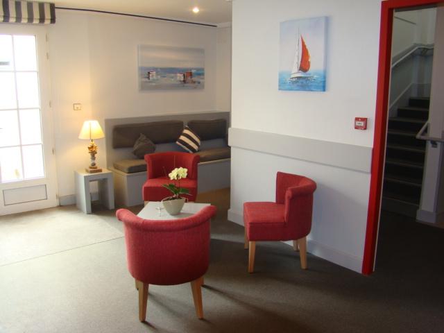 Hotel Du Port Hotels Saint Martin De Re Destination Ile De Re Official Website Of The Tourist Office